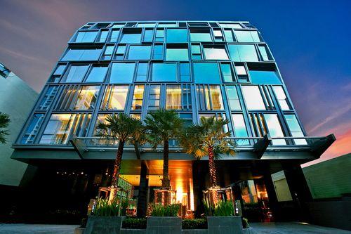 GALLERIA 10 BUILDING