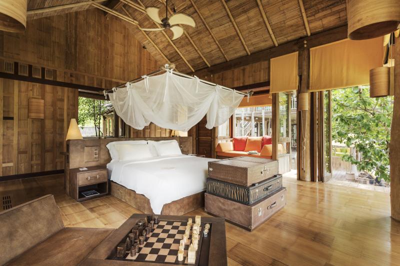 Soneva-kiri-private-bayview-pool-reserve-5br-v.31-master-bedroom-by-asit-maneesarn1