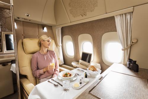 First-Class-dining