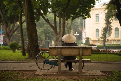 Sur un banc d'Hanoi