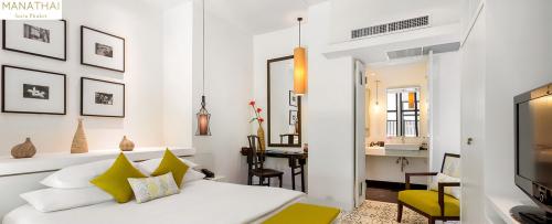 MANATHAI-Surin-Phuket_Duplex-Suite_001-1