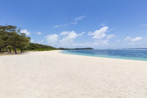 Hotel_Beach_Wide_View